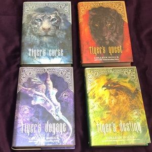 💚FLASH SALE💚Like-new Tiger's Curse bookset